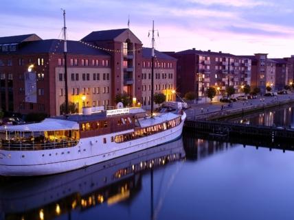 Investeringssag, restaurantskib i Aalborg